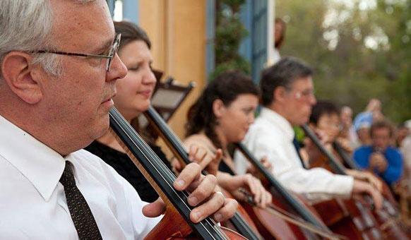 Cellists.jpg