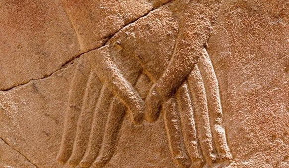 Luxor-Hands.jpg